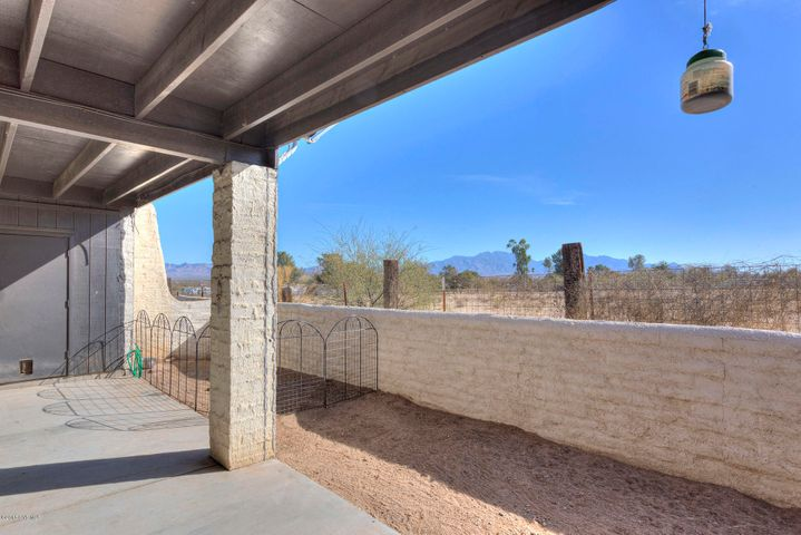 278 East Via Terrenal, Green Valley, AZ 85614