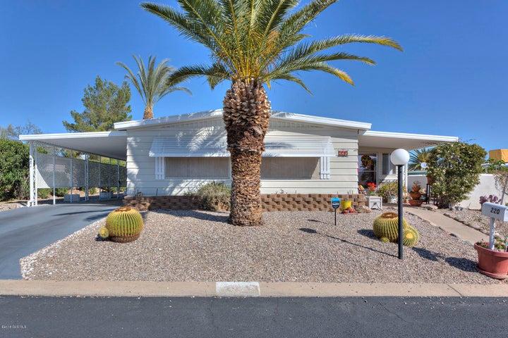 220 W Mora Drive, Green Valley, AZ 85614