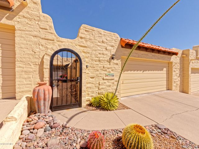 1160 W Calle Excelso, Green Valley, AZ 85614
