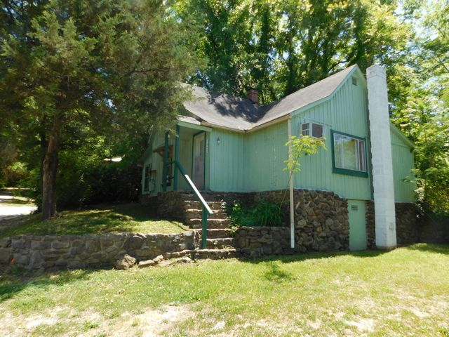 104 Mountain Street, Jasper, AR 72641