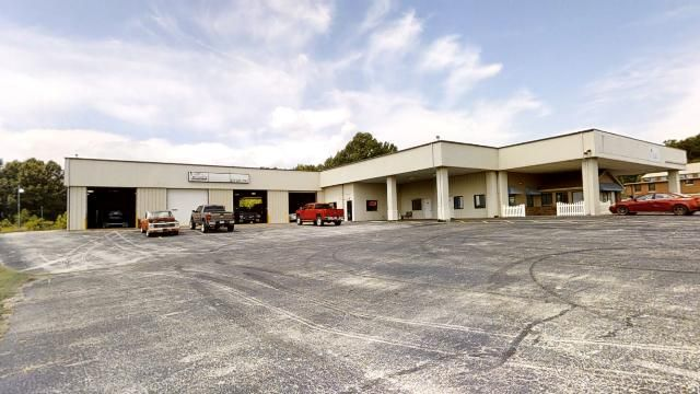Commercial for sale – 1004 S Main Street  Berryville, AR