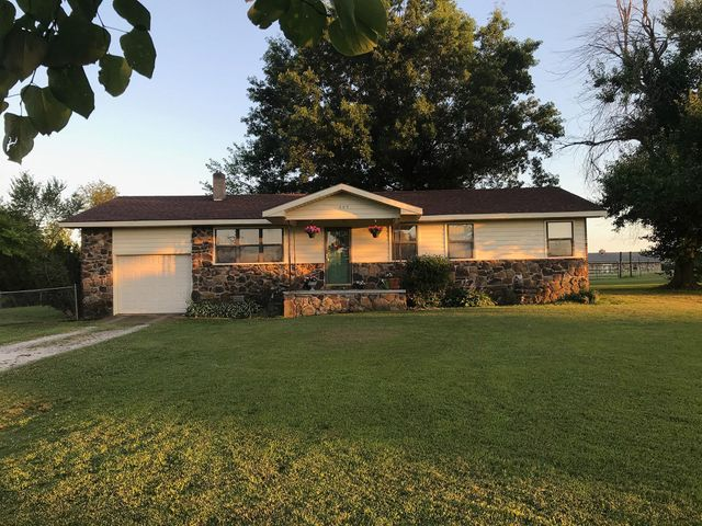 405 Co Rd 804, Green Forest, AR 72638