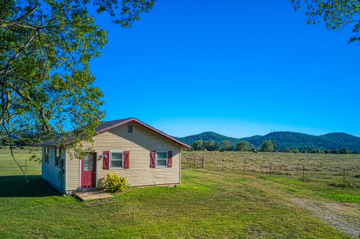 Residential for sale – 1233  Hwy 14 W   Lead Hill, AR