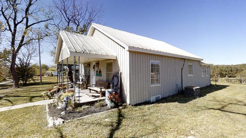 12538 Elmwood Springs Road, Harrison, AR 72601