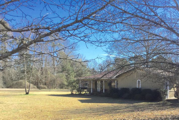 84 Smith Co Rd 127, Magee, MS 39111