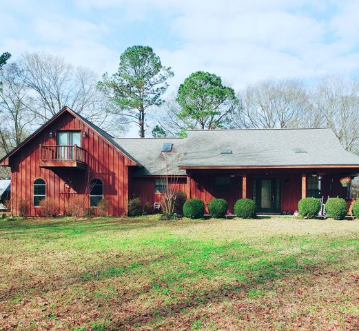 275 Craft Rd., Collins, MS 39428