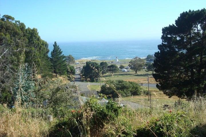252 Machi Road, Shelter Cove, CA 95589