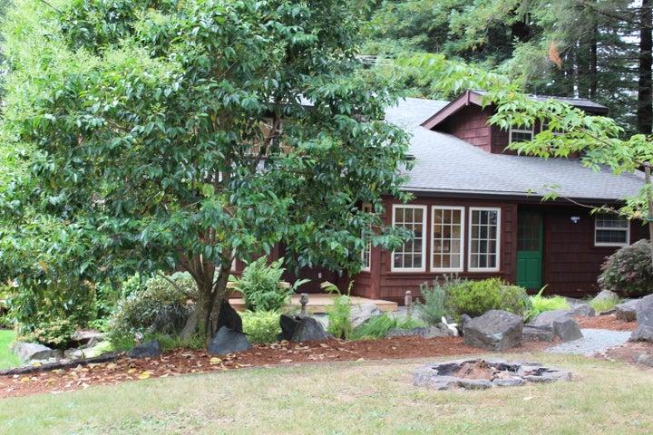 154 Cookhouse Spring Lane, Fieldbrook, CA 95519
