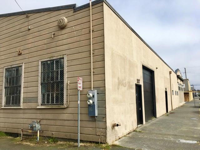 205 4th Street, Eureka, CA 95501