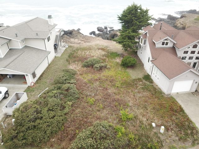 473 Lower Pacific Drive, Whitethorn, CA 95589