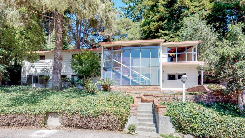 1522 Charles Avenue, Arcata, CA 95521