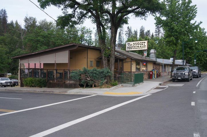 790 Main Street, Weaverville, CA 96093