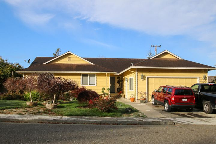 2160 Crystal Way, McKinleyville, CA 95519