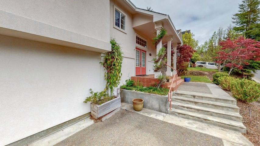 4266 Forest Hills Drive, Fortuna, CA 95540