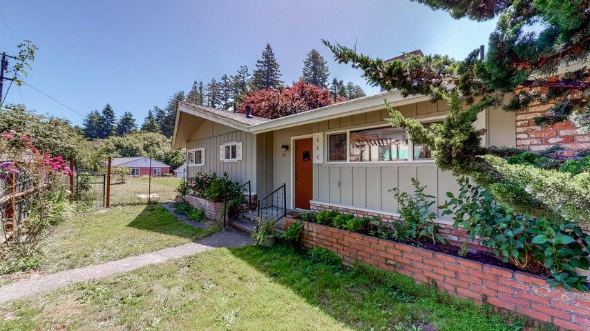 211 Newell Drive, Fortuna, CA 95540