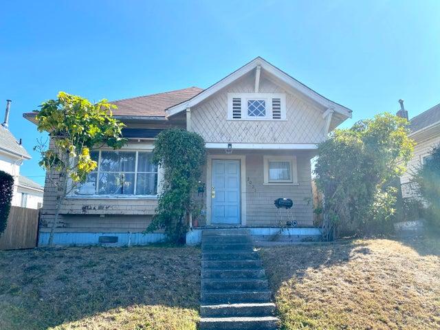 2021 B Street, Eureka, CA 95501
