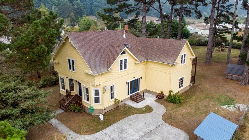 7110 Myrtle Avenue, Freshwater, CA 95503