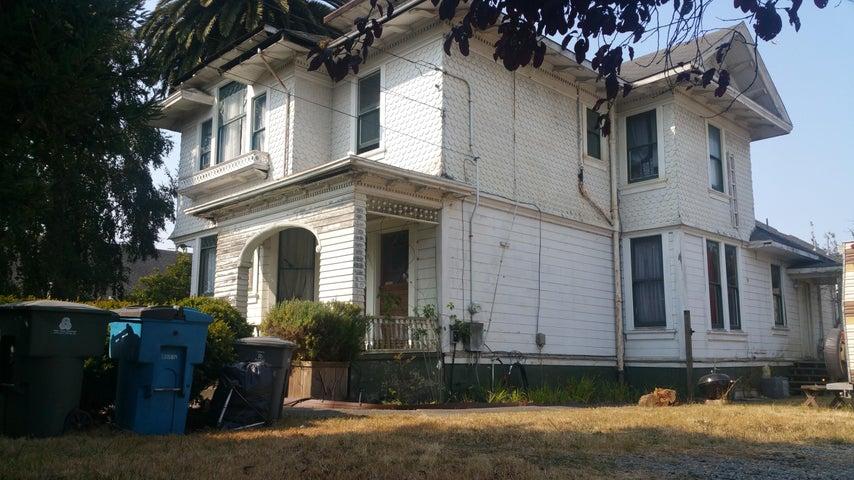 3404 F Street, Eureka, CA 95503