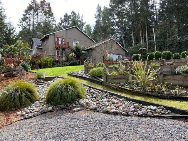 1865 Mountain View Road, Fortuna, CA 95540