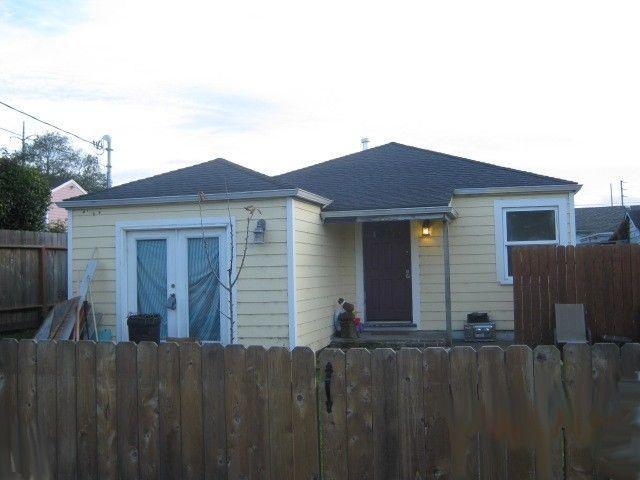 525 W Russ Street, Eureka, CA 95503