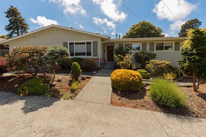 2420 P Street, Eureka, CA 95501