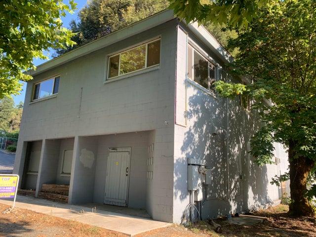 39136 Ca-299, Willow Creek, CA 95573