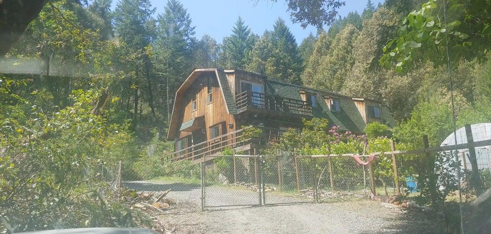 154 Upper Terrace, Willow Creek, CA 95573