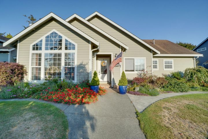 1765 Camellia Drive, McKinleyville, CA 95519