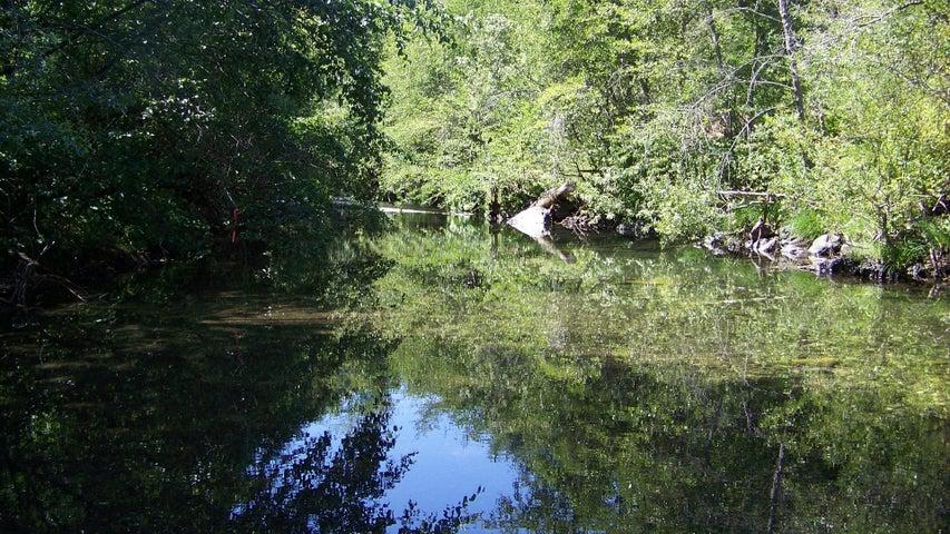 000 Willow Way, Willow Creek, CA 95573