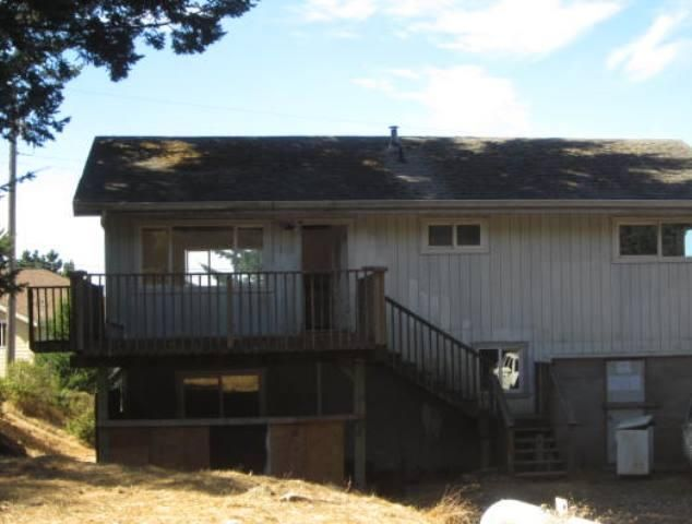 230 Olson Road, Whitethorn, CA 95589