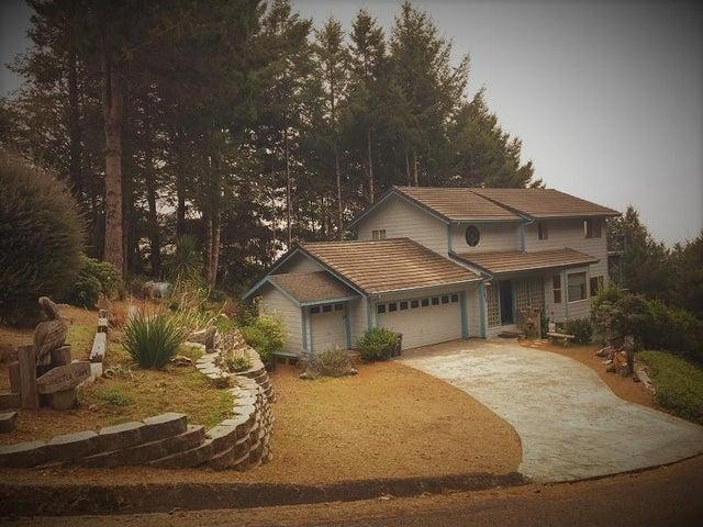 150 Duluard Drive, Whitethorn, CA 95589
