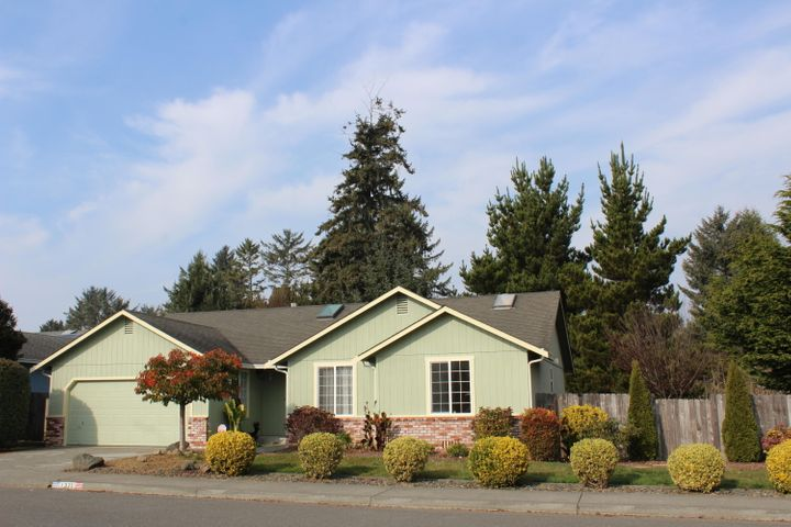 1371 Fernwood Drive, McKinleyville, CA 95519