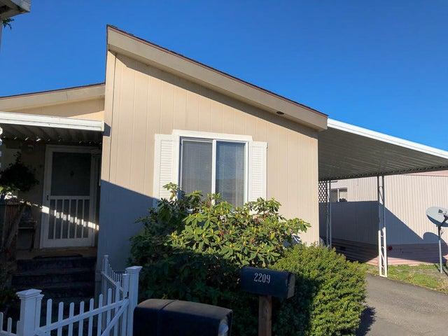 2209 Crown Drive, Fortuna, CA 95540