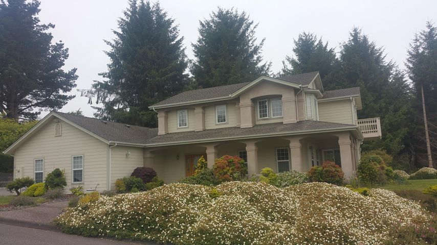18 Minette Lane, Eureka, CA 95503
