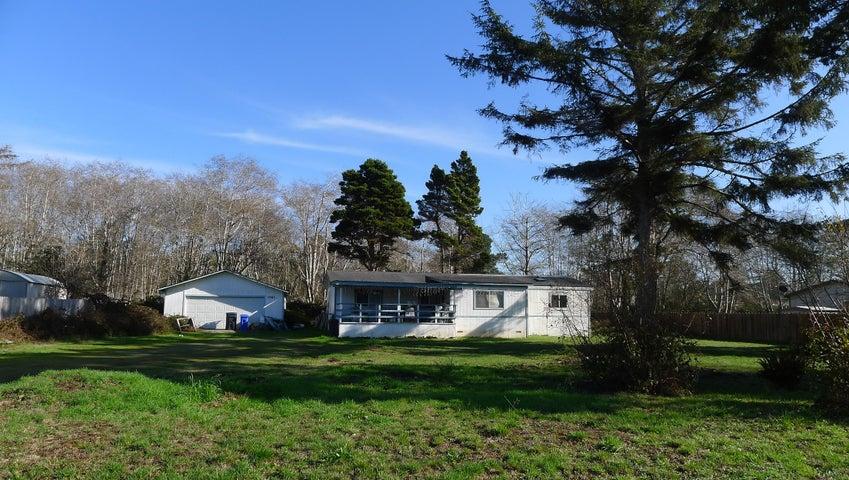 1761 Fischer Avenue, McKinleyville, CA 95519