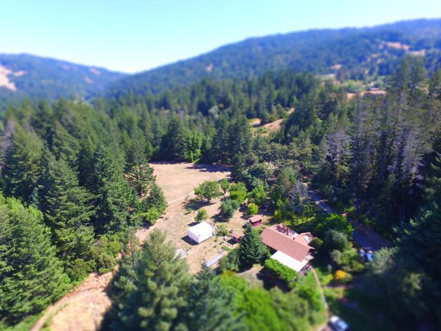 2 Old Mill Road, Piercy, CA 95587