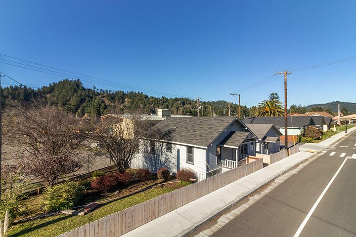 143 Main Street, Scotia, CA 95565