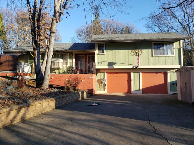 565 Glen Road, Weaverville, CA 96093