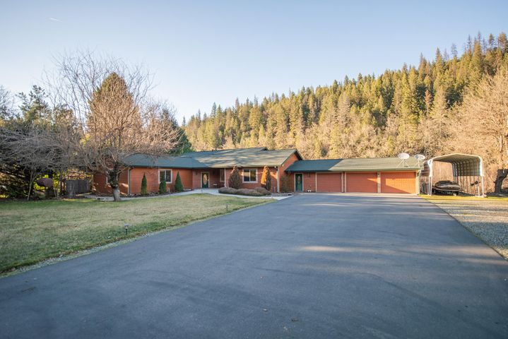 281 River Ranch Road, Douglas City, CA 96024