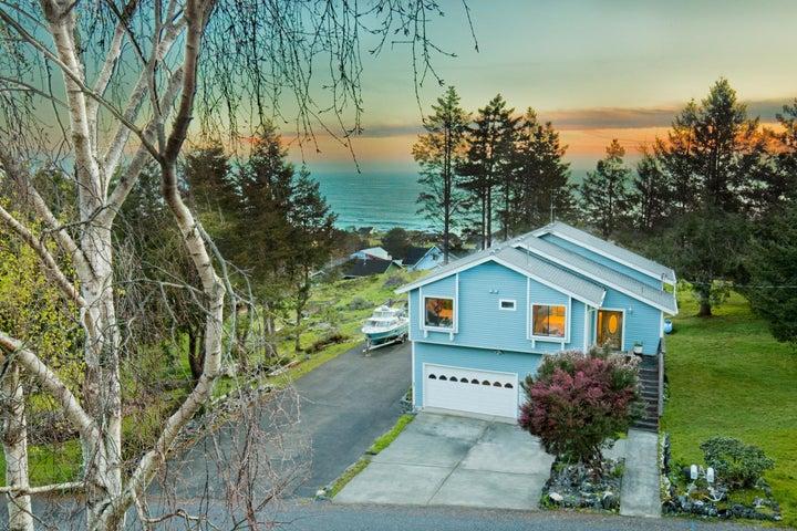 247 Seafoam Drive, Whitethorn, CA 95589
