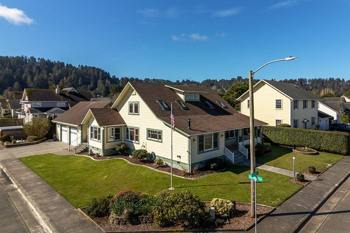 1130 Cream Court, Ferndale, CA 95536
