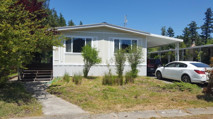 146 West Coast Road, Redway, CA 95560