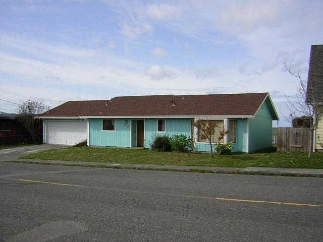 808 Perrott Avenue, Loleta, CA 95551