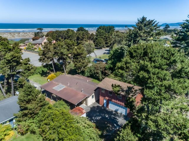 2629 Kelly Avenue, McKinleyville, CA 95519
