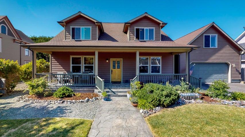 1135 Dewey Avenue, Ferndale, CA 95536