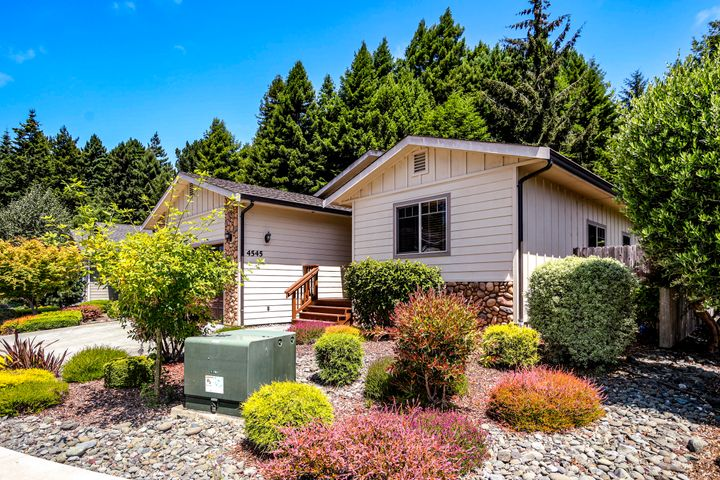 4545 Luke Court, Eureka, CA 95503