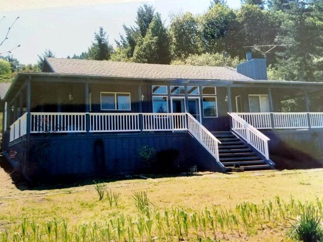 40740 Mattole Road, Petrolia, CA 95558