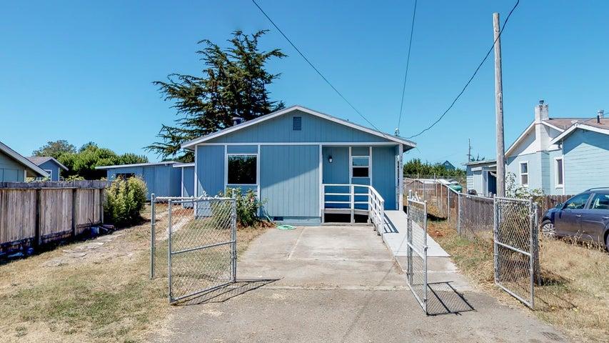 1809 Peninsula Drive, Arcata, CA 95521