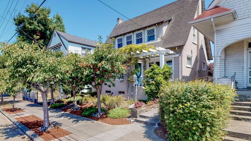 1827 H Street, Eureka, CA 95501