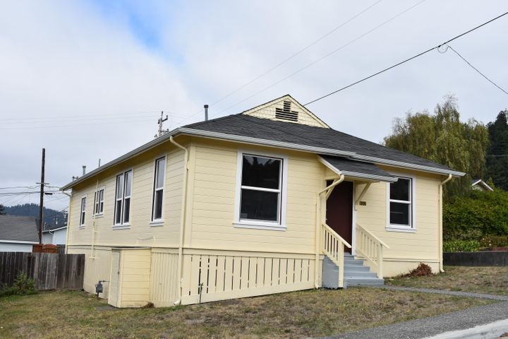 632 Second Street, Scotia, CA 95565
